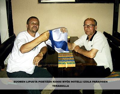 suomen lipusta pidetään kiinni myös hotelli izola paradisen terassilla