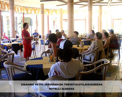 visainen hetki järviradion tervetulotilaisuudessa hotelli albassa